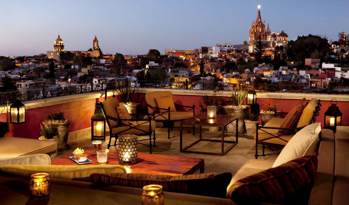 best-rooftop-bars-worldwide-from-new-york-to-rome-luna-rooftop-sam-miguel-de-allende-messico
