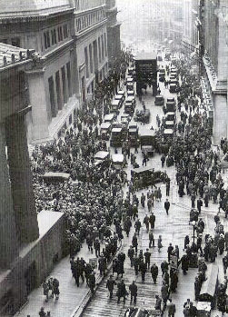 Crowd<em>outside</em>nyse<em>USA</em>kriza